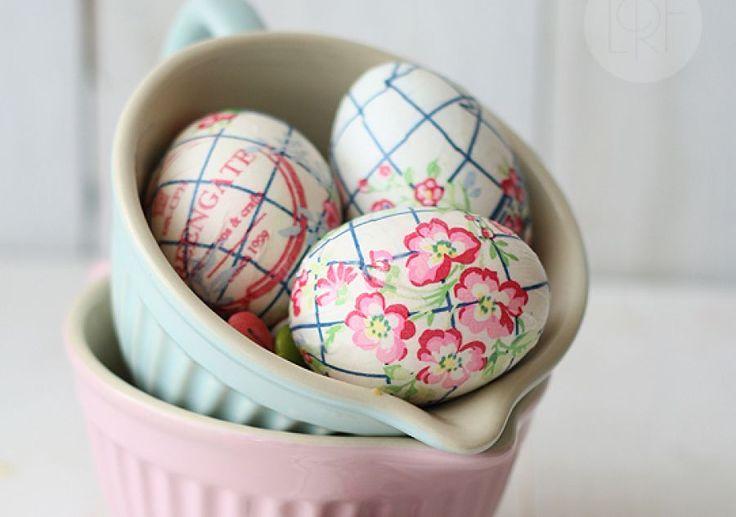 Πασχαλινά αυγά χωρίς βάψιμο αλλά διακοσμημένα με χαρτοπετσέτες