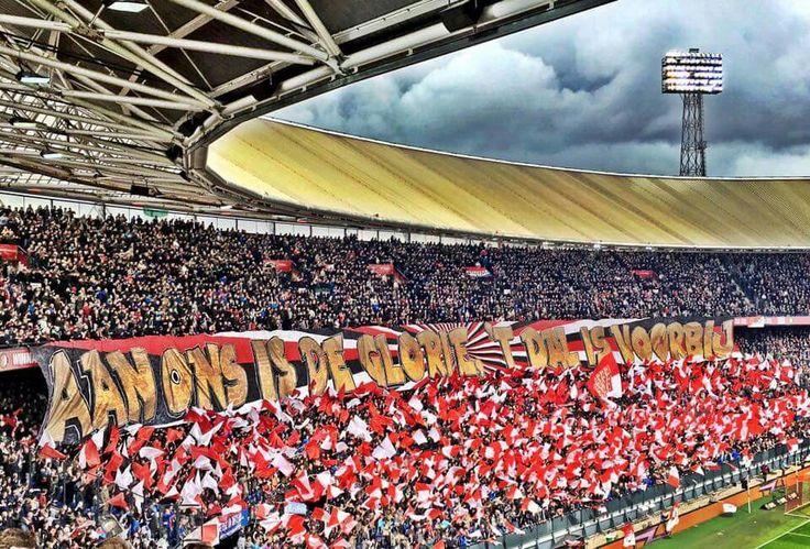 Aan ons is de glorie - 't dal is voorbij. Feyenoord - Utrecht