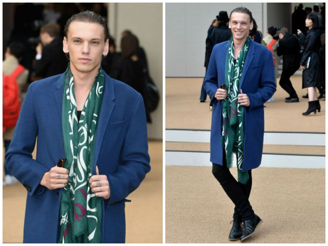 burberry spring/summer 2015 campaign | Jamie Campbell Bower On Matilda Lowther At Burberry Spring Summer 2015