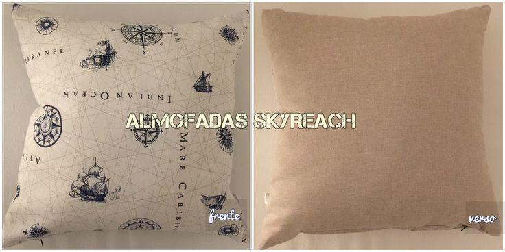 REF. 2B - Capa para almofada de 50x50 cm, com frente em tecido estampado com carta náutica e verso liso creme