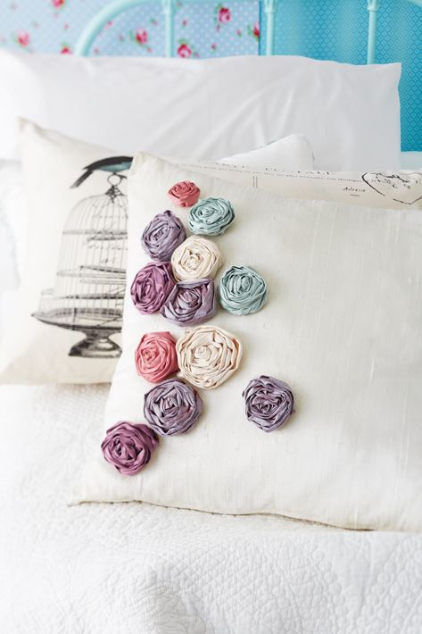 Three projects with roses: Scatter cushion