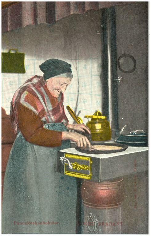 Asten, Het bakken van pannenkoeken op een platte buiskachel door Mevrouw Linden (vrouw van kleermaker) Auteur: Nuss, Josephus Maria Hubertus (uitgever) - 1906