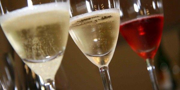 A diferença entre vinho frisante e espumante