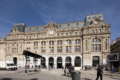 OTH 755 - La façade de la gare St-Lazare, enfin libérée des enclos et engins de chantiers. © Christophe Recoura