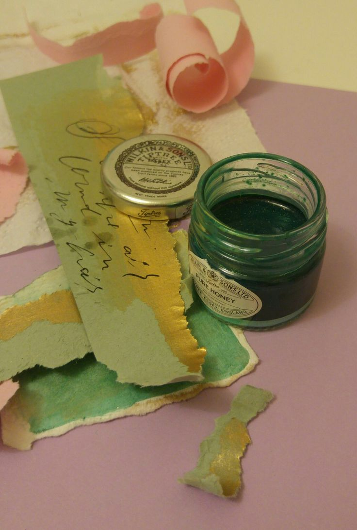 Calligraphy magic happening right now!! #colors #palette #moderncalligraphy #contemporary #styling #events #paperie #paper #exquisite