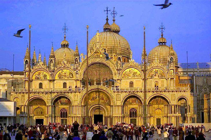 Basilica Di San Marco St Mark S Basilica Saint Mark S Basilica Famous Landmarks Venice
