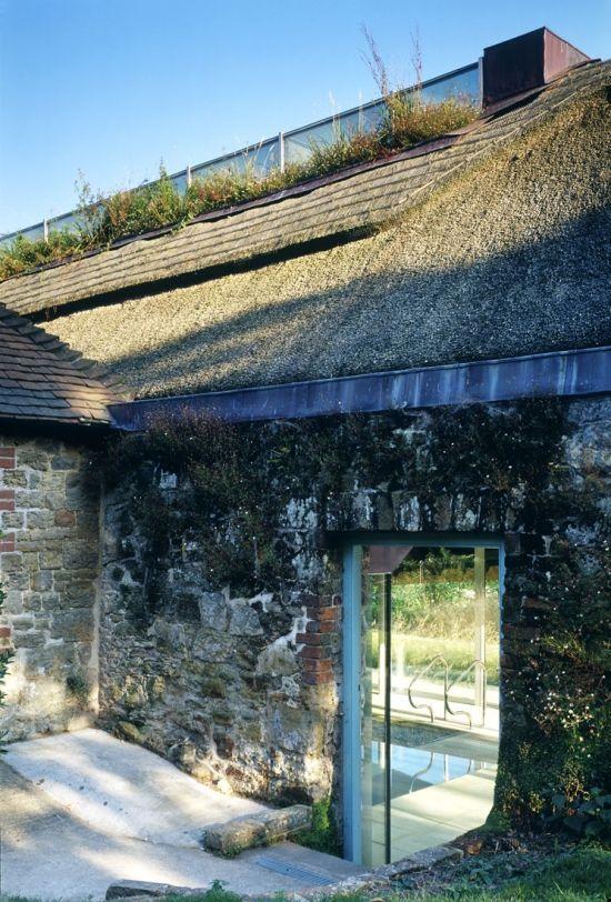 Kathryn Findlay's Poolhouse 1