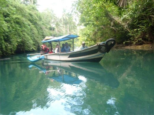 Discovering Indonesia Green Canyon