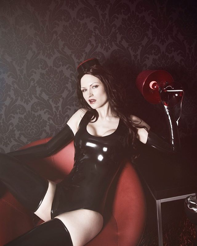 Instagram media by dovearea.se - Hymn. Model: @sister_sinister #latex #latexfashion #fetishfashion #fashion #fashionphotography #latexphotography #latexstockings #stockings #latexgloves #gloves #latexleotard #latexbodysuit #leotard #blacklatex #blackhat #blackhair  #longhair #redlamp #redlips #studiolighting #flashphotography #2009 #umeå #sweden #model #latexmodel #sistersinister #dovearea