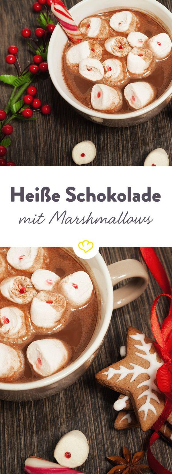 Heiße Schokolade ist purer Genuss. Zusammen mit Vanille und Muskat erhält sie eine würzige Note und schmeckt einfach nach Weihnachten.
