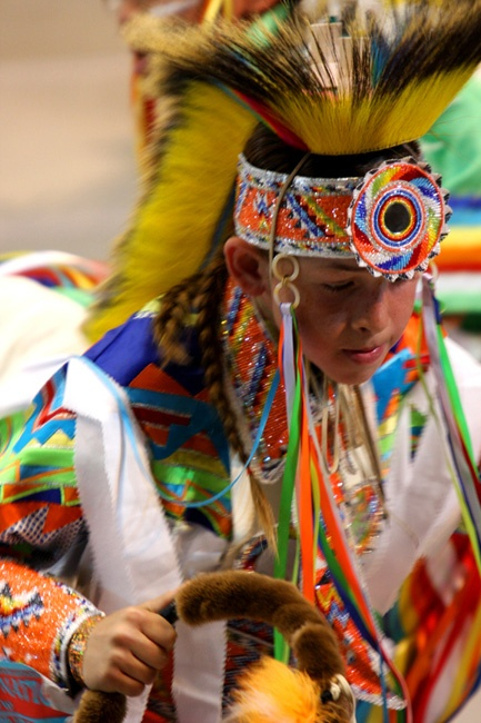 Grass dancer Misun Mills. | Pow Wow | Pinterest | Dancers ...