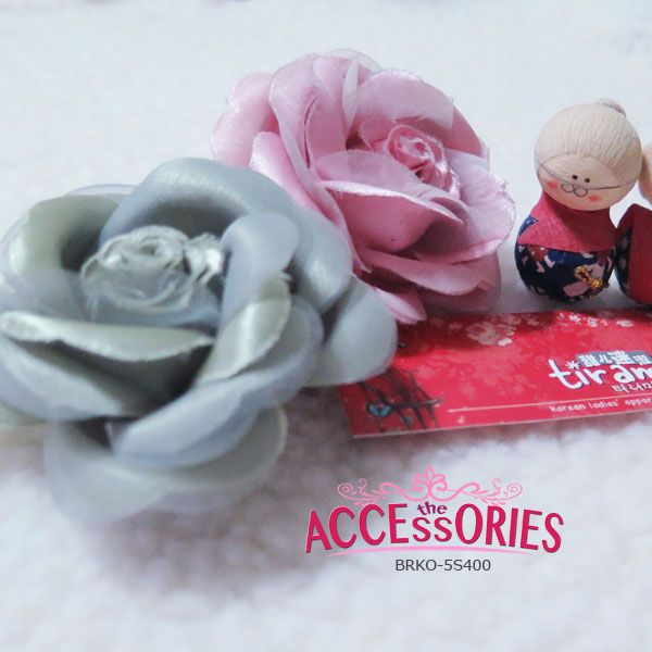 BRAND NEW FROM SOUTH KOREA  Rosy Simple Harmony (BRKO-5S400)  Colour (Quantity):- Black (1); Blue (1)  Sale 4 U $8 - only payment through Bank Transfer (With FREE SingPost AM Mail within Singapore). You can buy it at our website! More info at http://theaccessories.co/product/brko-5s400  #women #hair clips #korea #new #hand-made #girl #ladies #organza #sweet #rose #pink #elegant #fabric #green