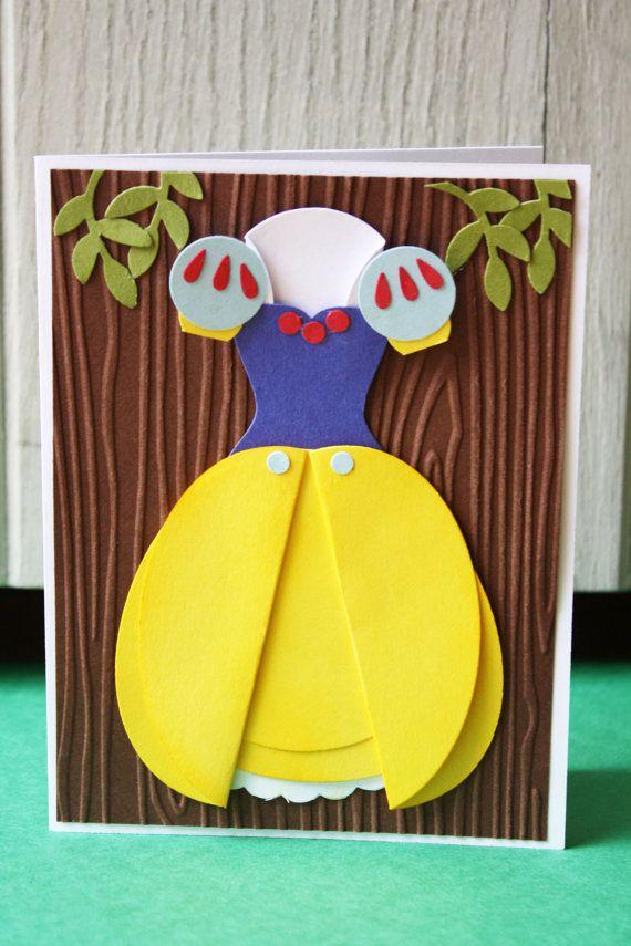 Celebrare il prossimo party in stile principessa. Questa carta è una carta di invito/compleanno festa perfetta per qualsiasi piccola principessa
