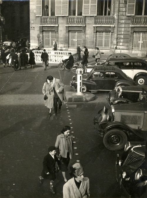 Paris circa 1950 - Robert Doisneau