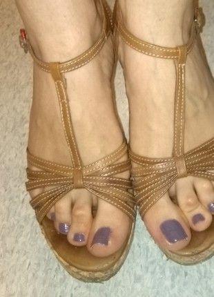 Kup mój przedmiot na #vintedpl http://www.vinted.pl/damskie-obuwie/sandaly/12563459-skorzna-sandaly-na-platformie-wloskiej-firmy-venezia