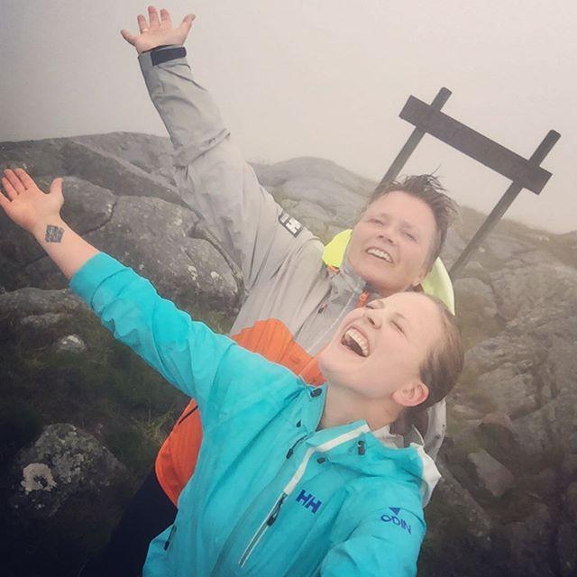 Herlig start på dagen⛰ #kodlifjell #håfjell #gjesdal #utno #dnt #stavangerturistforening #aktivejenter #fjelltid #turjenter #liveterbestute #hellyhansen