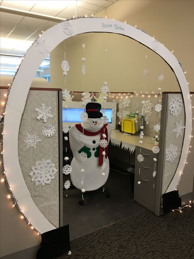 Snow globe. Christmas cubicle decorating