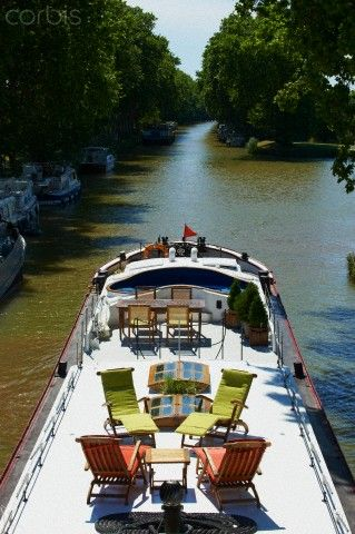France, Languedoc-Roussillon, Aude (11), Canal du Midi between Carcassone and Beziers, barge hotel A