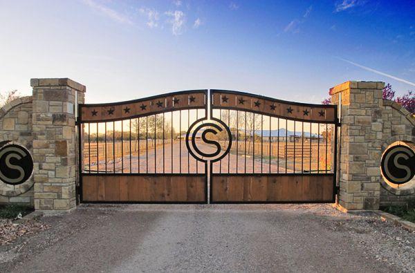 Gate Entrance To Schumi S Usa Horse Ranch Ranch Gates