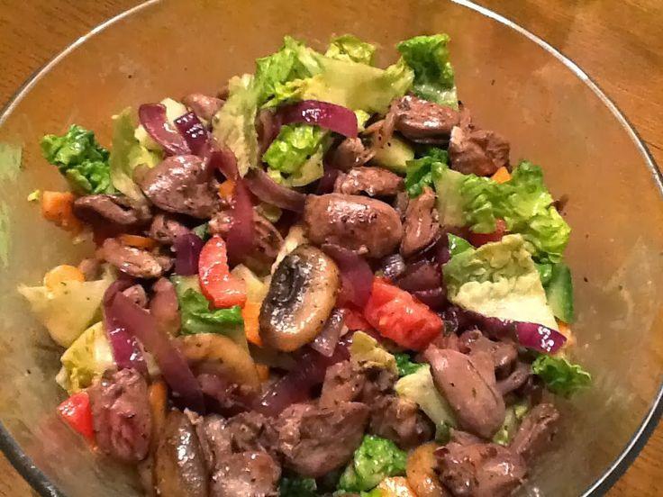 lchf salat mit warmem topping aus gebratenen h hnerherzen. Black Bedroom Furniture Sets. Home Design Ideas