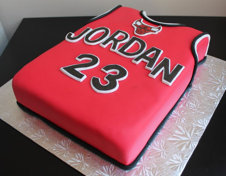 Chicago Bulls Jersey cake @Heather Creswell Creswell Dmitrasz Gna need this for Tony's 30th! Lol