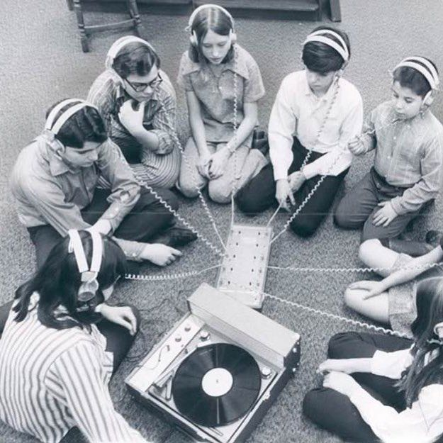 History of sharing music ! #digitalagency #creativestudio #Ux #coding #dev #developer #development #inspiration #digital #ui #mobile #seo #socialmedia #webmarketing #website #frenchweb #Ia #music