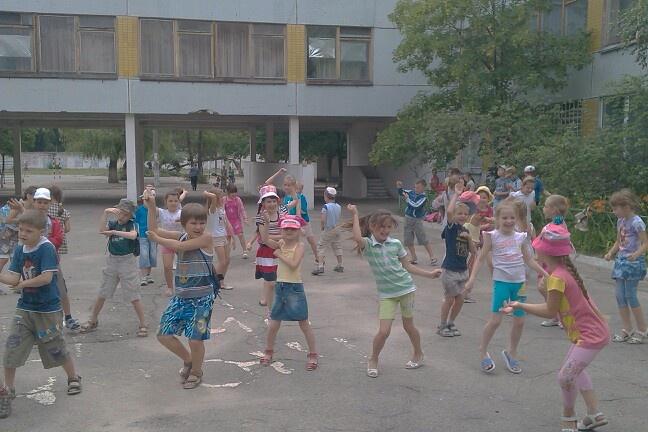 Сегодня в лагере день спорта. Все закончилось танцем opa ganGnam stayl.