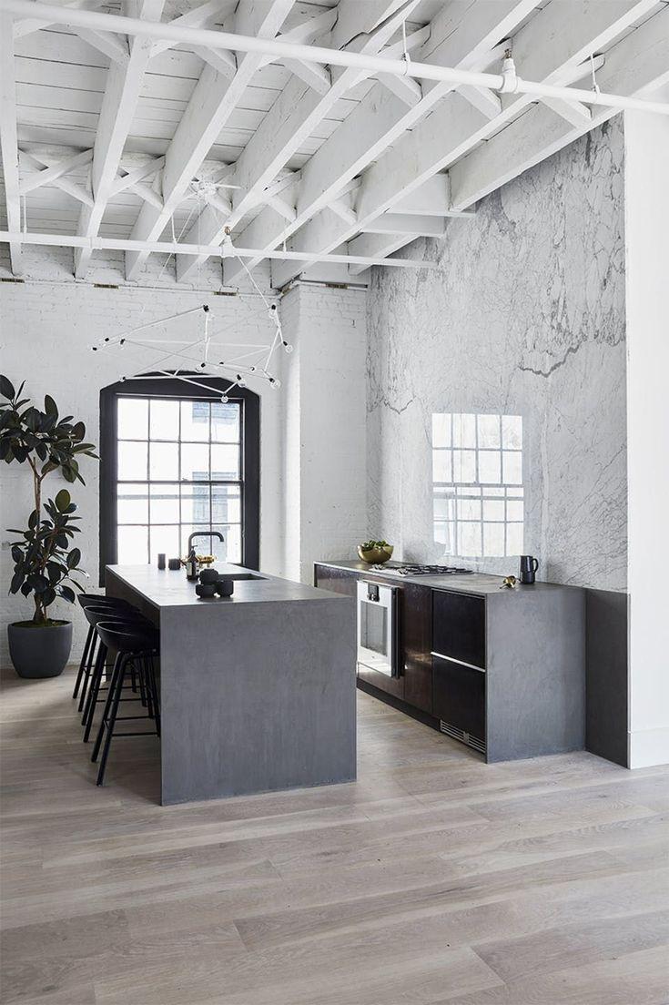 new yorker lejlighed indretning kkken marmor - Fantastisch Design Badevrelse Med Natursten