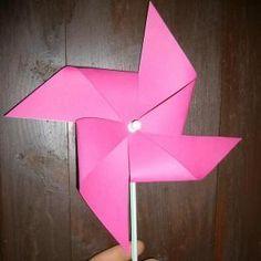 Como fazer um cata-vento (moinho) com cartolina