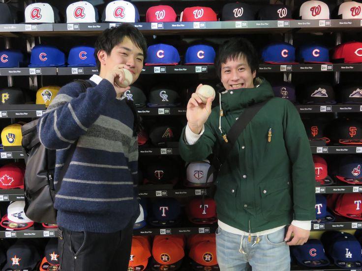 【新宿1号店】2015.02.02 野球好きのお二人にスナップにご協力頂きました。シーズンの開幕まで待ち遠しいですね!!今後、商品も多数入荷ですのでまた遊びに来て下さいね~