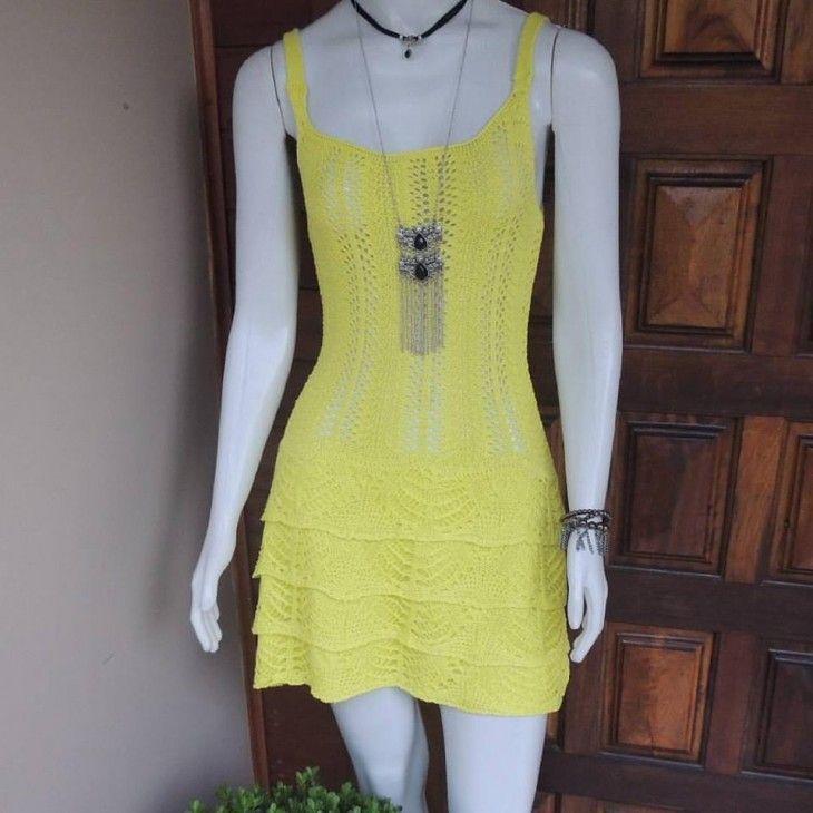 vestido-crochê-tricô-babado-amarelo-saida-de-praia-look-reveillon-2016-comprar