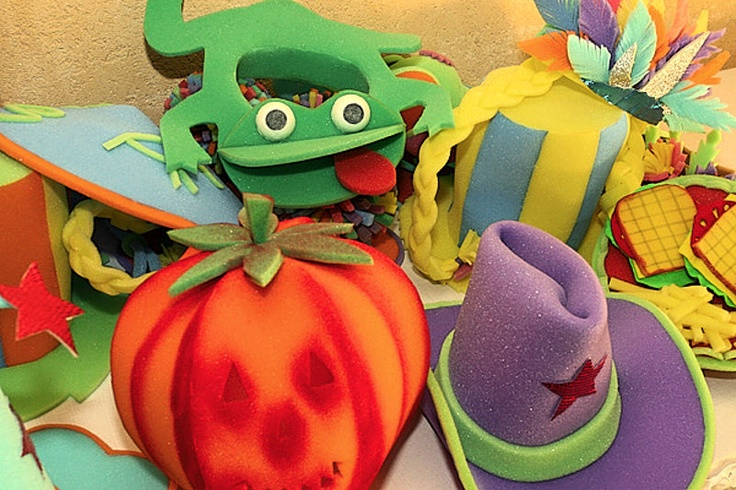 sombreros de goma espuma   Puppet tutorial   Pinterest