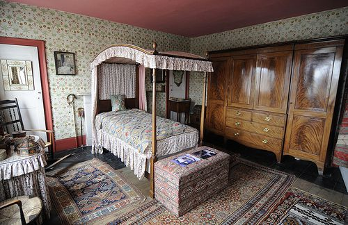 I love this art deco bedroom - the beautiful wardrobe and those wonderfully patterned rugs make me very jealous. They had to go into a novel! For me, this was Elizabeth's room, a bedroom fit for a heroine.