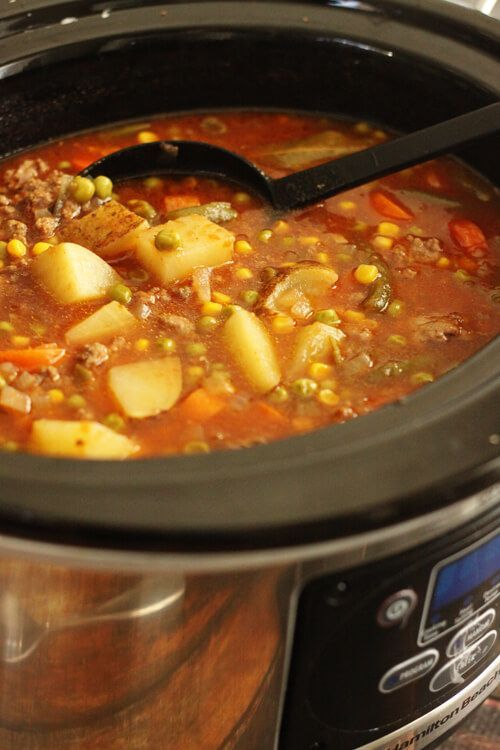 Slow Cooker Vegetable Beef Soup via @favfamilyrecipz