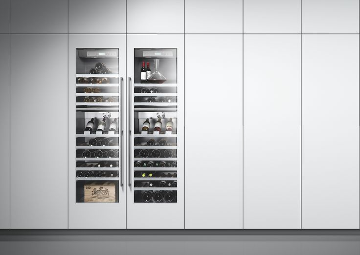 The RW 464 wine climate cabinet offers two independently controllable climate zones and space for up to 99 bottles. The electronic control system ensures consistent temperatures from +5 °C to +20 °C.