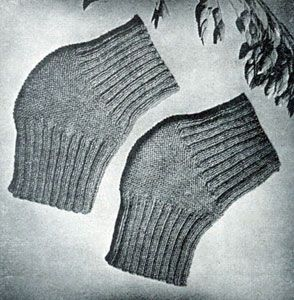 Knee Caps | Knitting Patterns - I bet this would work for elbow pads as well.