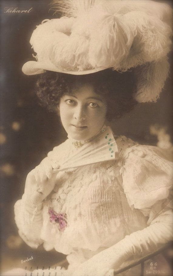 Saharet, Famous Australian Dancer Edwardian Elegance, Luxurious Romantic Glamour Costume with Hat Original Rare 1900s German Photo Postcard
