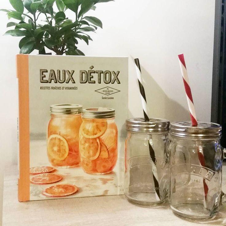 Cadeau de Noël en avance  merci @elsa_dvd  #detoxwater #detox #recettes #livre #yummy #bocaux #cadeau #Noël #gift #copine #parfait by lucie_amiot