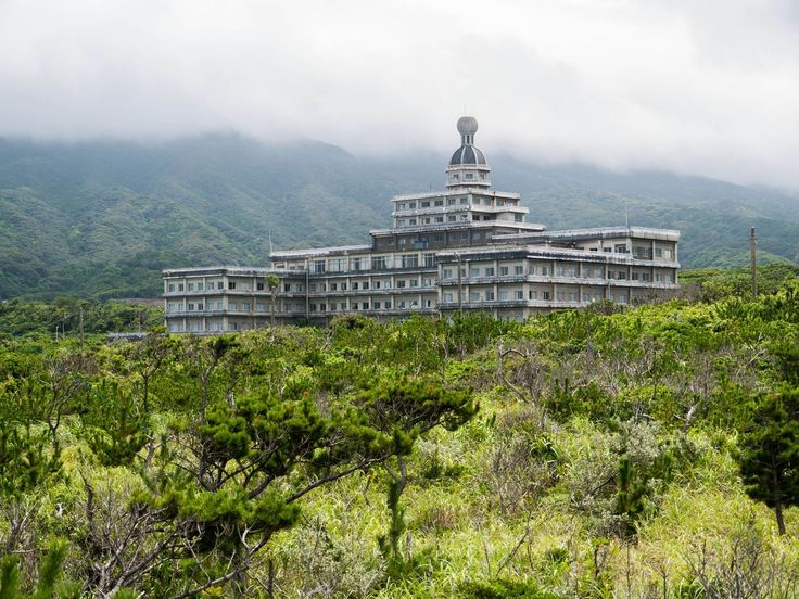 What once was a luxury hotel is now slowly being reclaimed by nature after many years of being abandoned. The Hachijo Royal Hotel on Hachijojima Island, Japan, used to be a popular holiday destination in the 1960s. Back then, the government of Japan had made it almost impossible for citizens