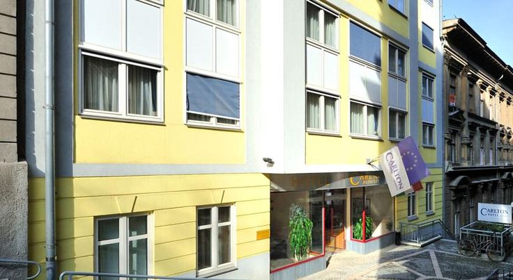 泊ってみたいホテル・HOTEL ハンガリー>ブダペスト>ブダペストの城地区にあり、有名なくさり橋から100m>カールトン ホテル ブダペスト(Carlton Hotel Budapest)