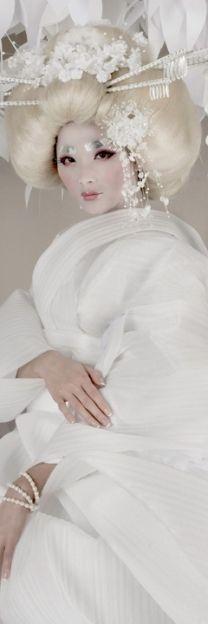 Lovely white geisha