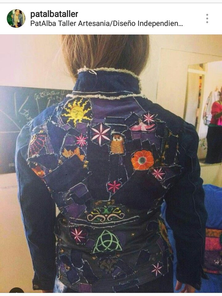 Entregada la chaqueta personalizada para @spiralmelipilla .....Se ve hermosa y se siente hermosa q es lo más importante, un diseño único con con harta dedicación y cariño...muy agradecida 🙏😘✌ #patalbataller #diseñoindependiente #diseñodeautor #vestuario #bordados #transformación #reciclaje #diseñounico #handmade