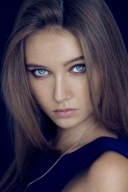 Girl online dating scam brown hair blue eyes
