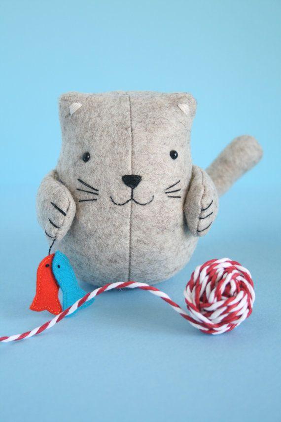 Fish 'n' chips - a cute cat sewing pattern PDF