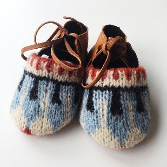 Baby & Kleinkind Wolle und Leder Haus Pantoffel von MWMeganWoods auf Etsy
