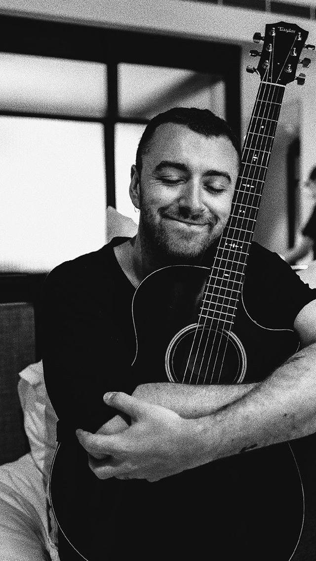 "Sam Smith with his new guitar ""Ozzie"" - Jan 2018"