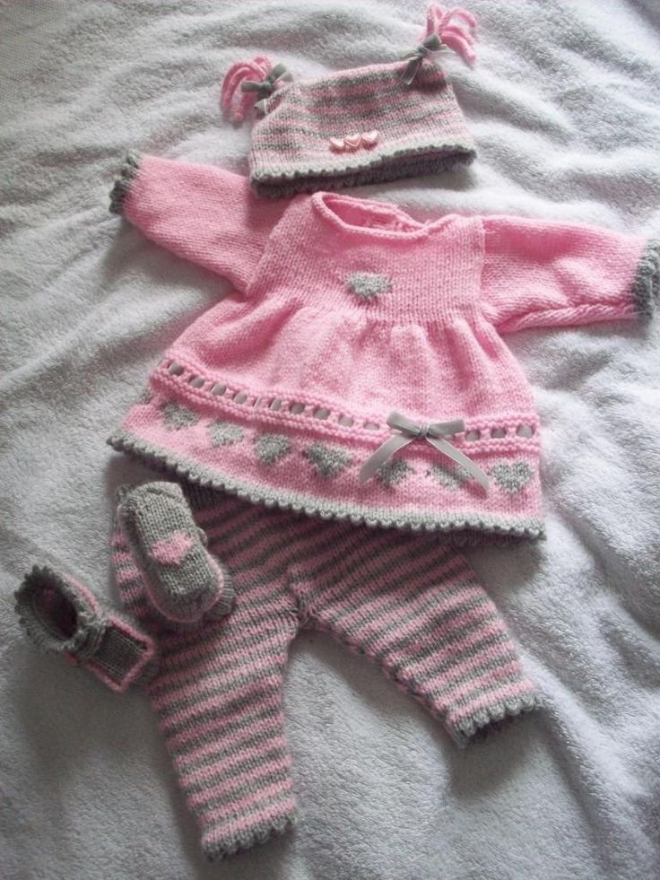 Angies Angels patterns - exclusive designer knitting and crochet patterns for your precious baby or reborn dolls, handmade, handknitted, baby clothes, reborn doll clothes~~ loads on this site