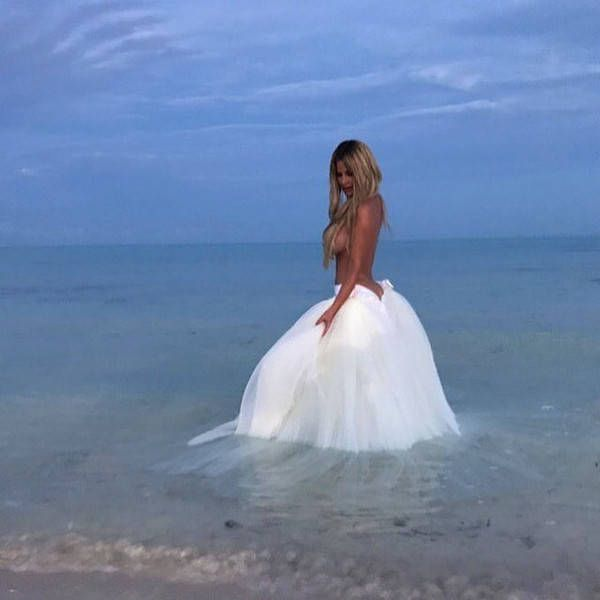 Kim Zolciak-Biermann Shares Photos From Fairy Tale Vow Renewal