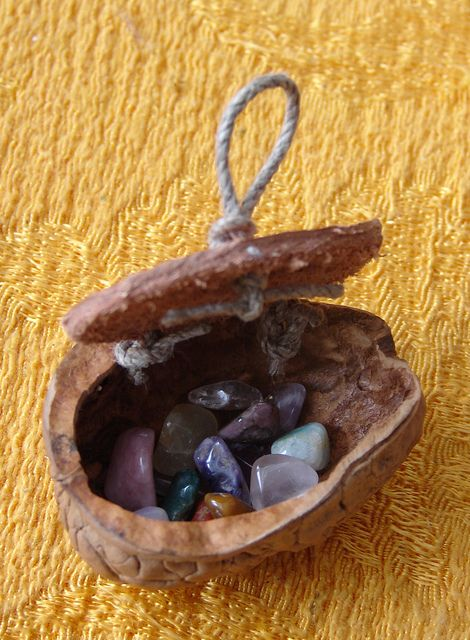 Walnut shell Treasure Box -- I can see this being a tiny gift left behind by the Tooth Fairy!