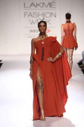 Outhouse by Kaabia & Sasha. LFW A/W 14'. Indian Couture.